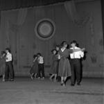 színház, kórus, tánc