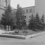 Şcoala Ardeleană statue